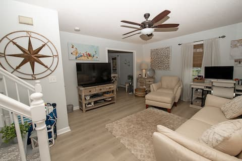 Peaceful 2 Bedroom Townhouse with jacuzzi spa