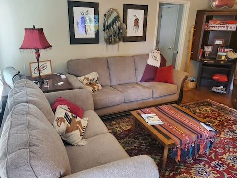Cozy 3 BR w/King Bed, Patio, & lots of space
