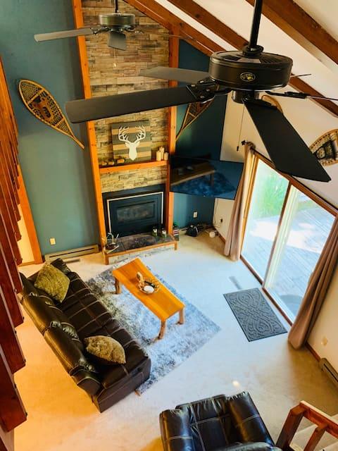 Country Club Cabin on Lake Wausau! Boat/Ski/Relax!