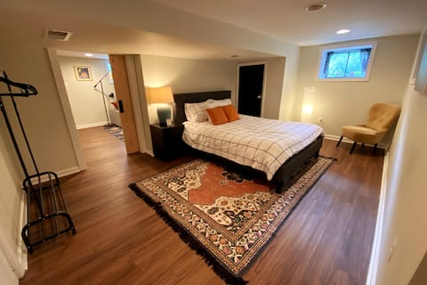 The Idlewylde Guest Suite ~ convenient Towson stay