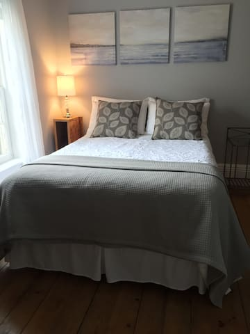 Full XL bedroom