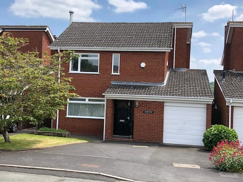 3 bedroom detached house with outstanding views