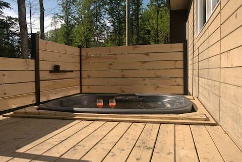 Alkov Cottage : Mini cabaña para 2 con bañera de hidromasaje privada