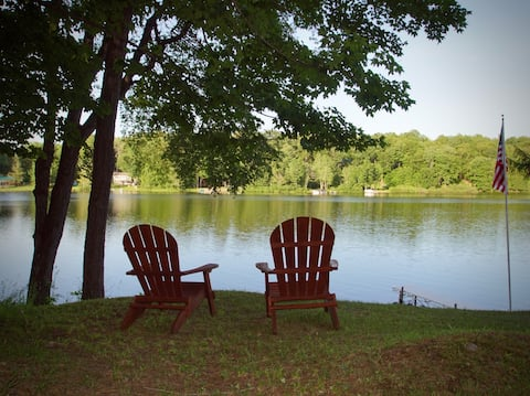 Perfect for fall. Vacation or WFH. Bring your pet.