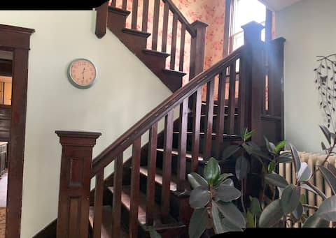 Grandma Laura's AirBnB in Moberly