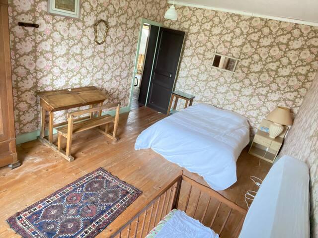 1er étage chambre 2  lit 2 places