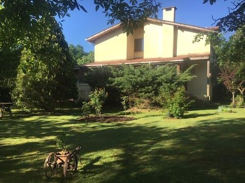 Tatil Sitesinde Ormana Bitişik & Bahçeli Villa