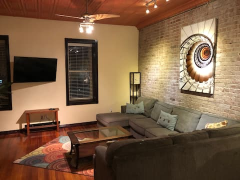 Contemporary apartment on the square!