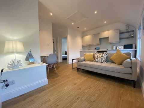 Newly renovated, one bedroom loft in Benllech.