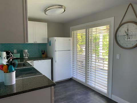 The Beach House- 2 bedroom, minutes from the beach