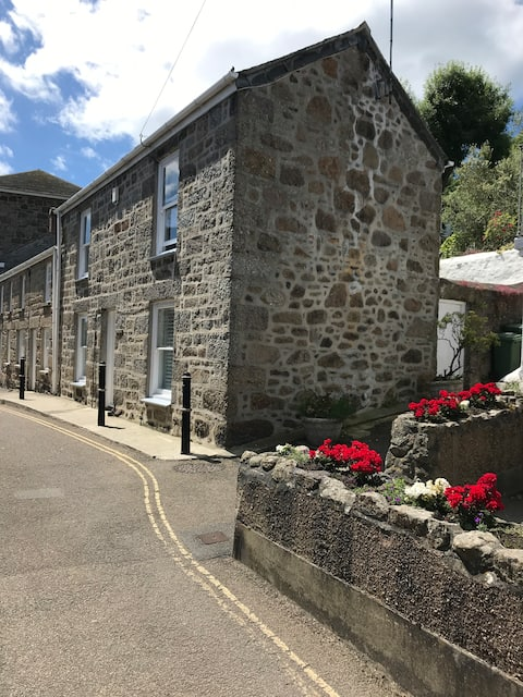 Linden Lea 3 bedroom family  cottage in Mousehole