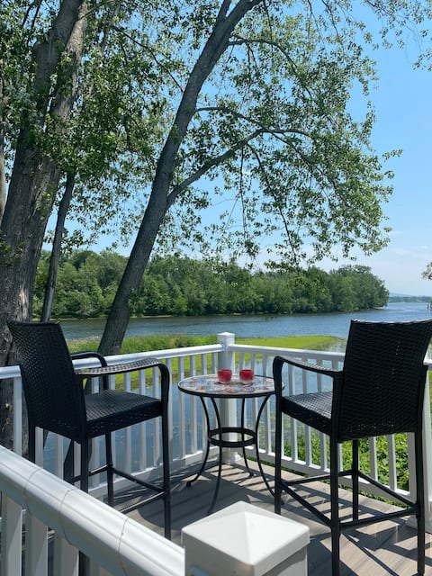 Riverview Guesthouse Near Saratoga Springs, NY