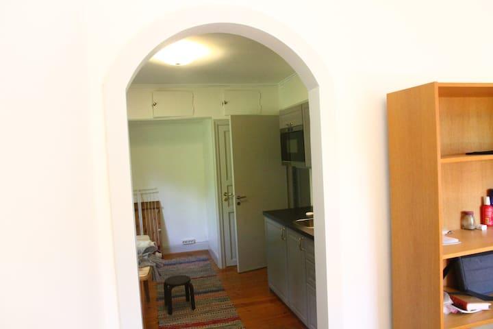 No door, a walve between the two rooms
