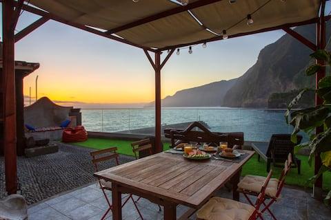 Casa de arena negra de Madeira por Stay Madeira Island