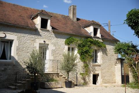 Maison de charme le long du Canal de Bourgogne