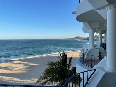 "Beautiful 5th Floor, Ocean Front ""Casa Cabo"""