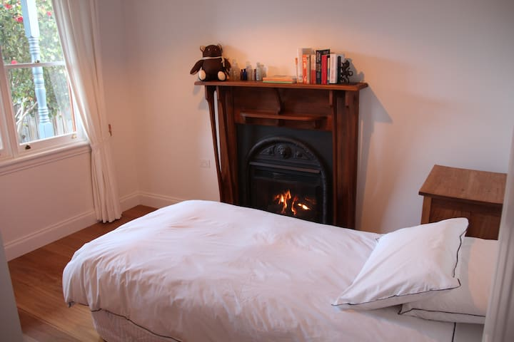 Third bedroom, King Size single bed