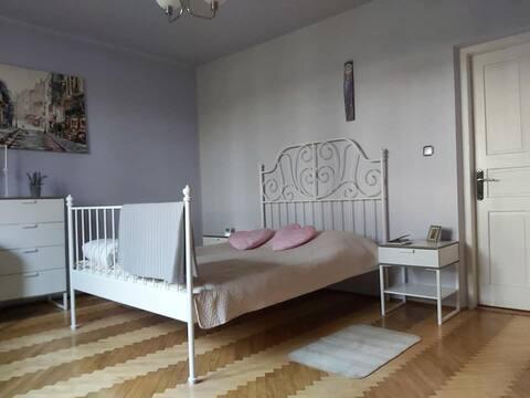 Apartament na parterze 2 pokoje i kuchnia