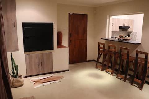 du Repos : 2-Bedroom Unit with Patio