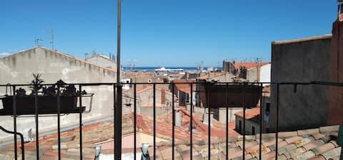 Joli studio avec terrasse en coeur de ville