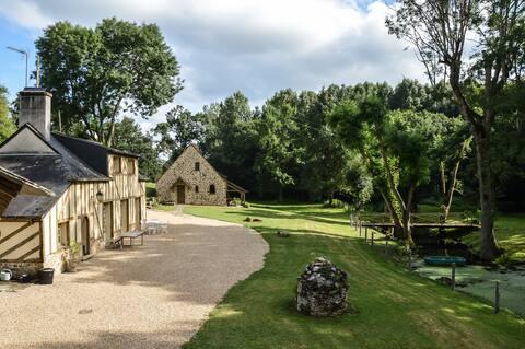 Oude molen in een charmante omgeving