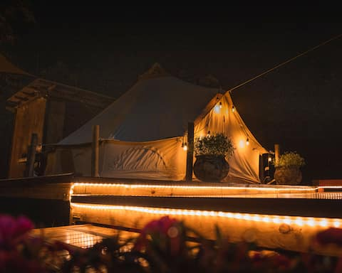 Sierra Linda Glamping Tent for Two with Jacuzzi