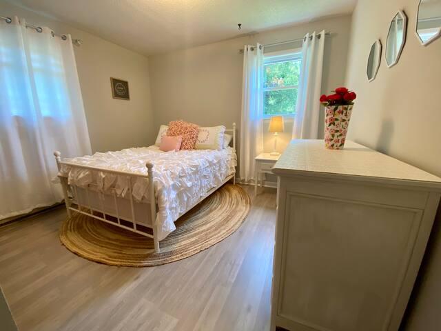 Bedroom #3: full bed