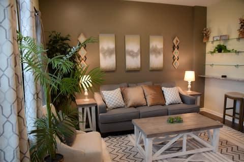 Luxurious, Cozy, Classy, 1bdrm Apt near DWTN