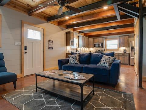 GORGEOUS one bedroom loft on horse property