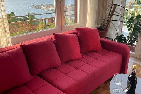 Bright, pleasant apartment above the sea