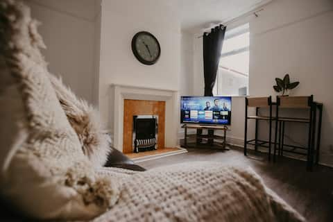 4 BED NEWLY REFURBISHED CONTRACTOR ACCOMMODATION