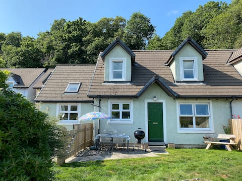 Alba Cottage, Cairnbaan, by the Crinan Canal