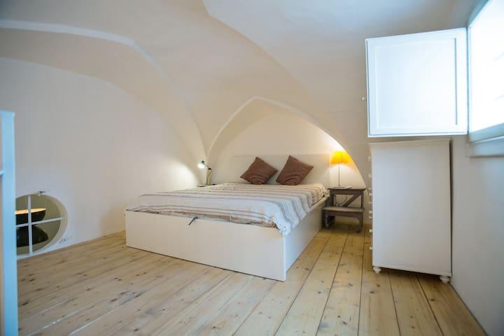 camera da letto in soppalco