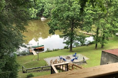 Tranquil Lake Front Cabin - Wood Creek Lake-London