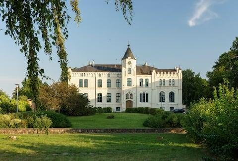 Herrenhaus Viecheln Anno 1869 Sekretär-Zimmer