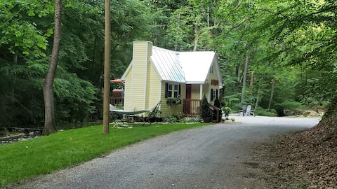 Molly Branch Cottage - Very Private!