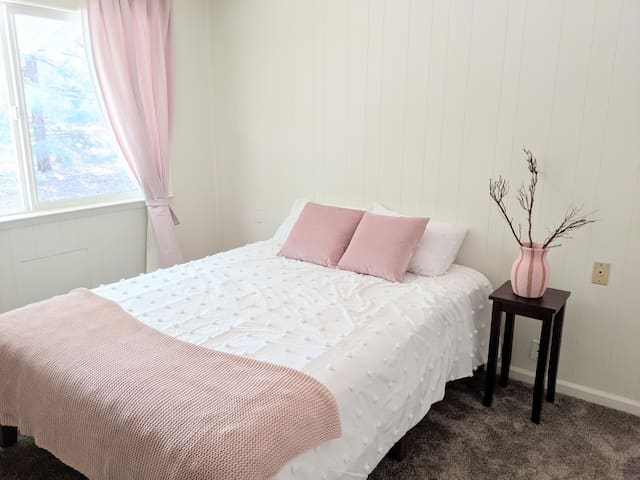 Bedroom 2: queen bed with brand-new comfortable mattress