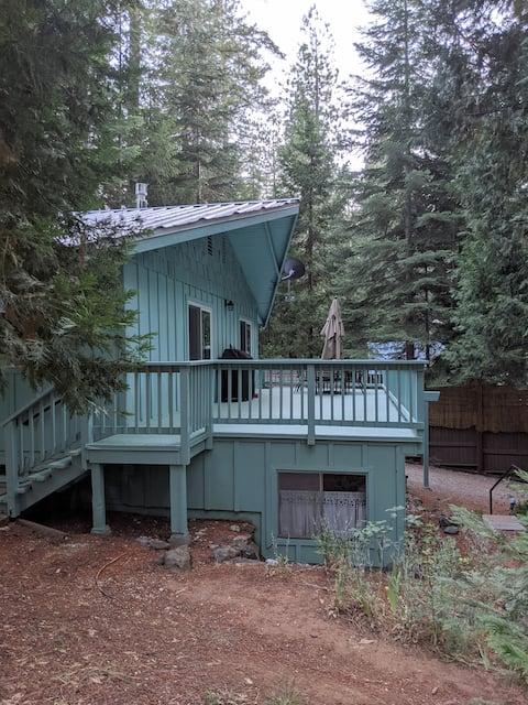 나무로 둘러싸인 쾌적한 3베드룸 전원주택