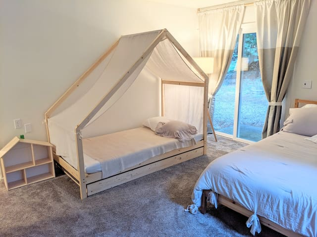 Bedroom 1: queen bed and trundle bed
