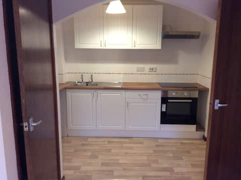 1 bedroom apartment self contained free parking