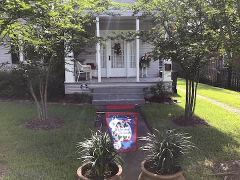 Cute cottage with fenced yard, patio  & porch