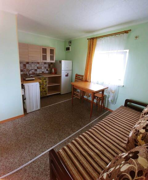 Et hus ved havet mellem Sortehavet og Gribovka
