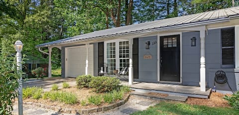 Deerwoode Place- Mountain home close to downtown!