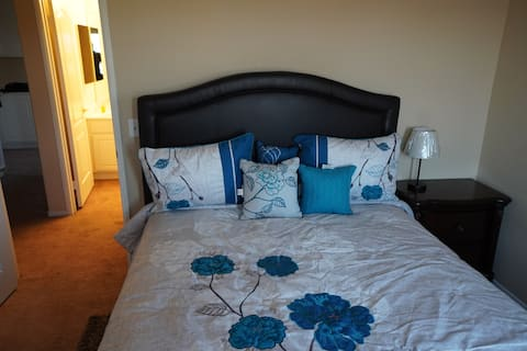 Comfy Room Near Lake Perris With Home Gym.