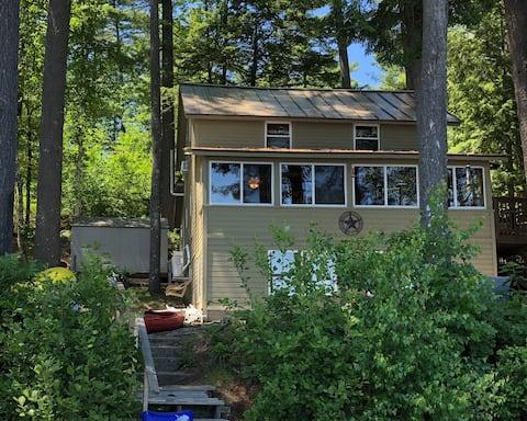 Lakefront 2 Bedroom Cottage / Camp with Dock