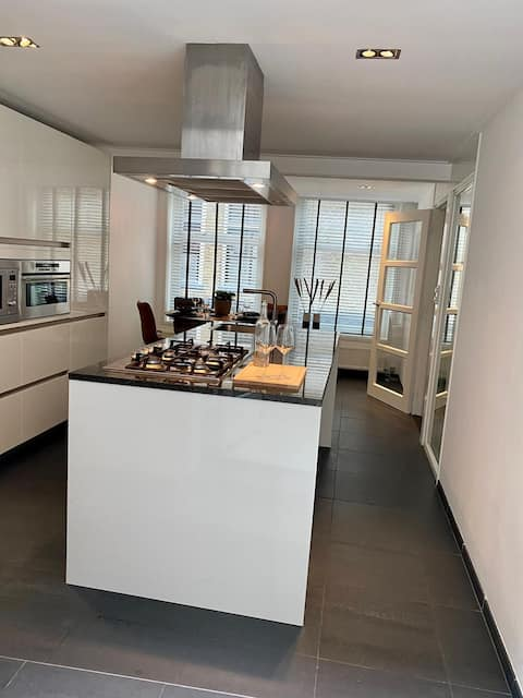Moderne woning, centrum Sneek met ruime woonkeuken
