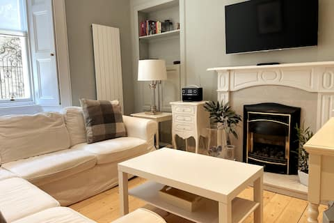 Cosy 2 bedroom apartment in stylish Stockbridge
