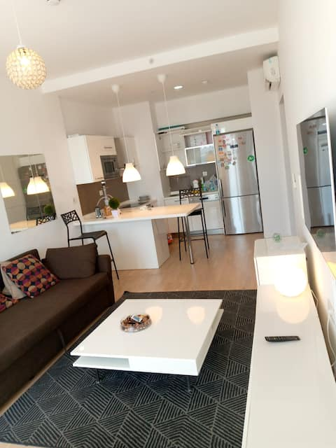 Lovely 1 Bedroom apartment with lake