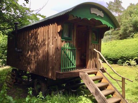 Delightful shepherd's Hut 10 mins  Gairloch beach