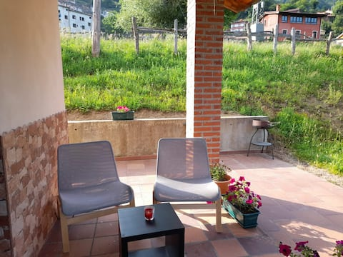 Agradable y acogedora cabaña con espacio verde